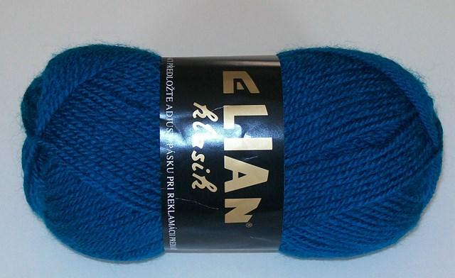 Pletací příze Elian Klasik č.2335 modrý petrol